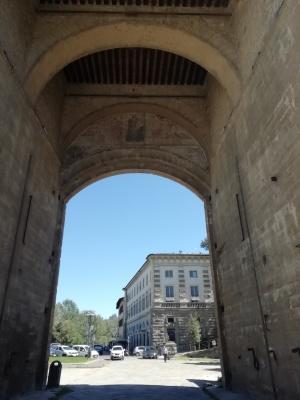 firenze-lungarno-tourist